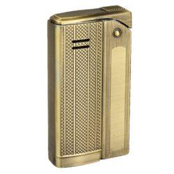Zapalovač Faro Slim Gold-Stylový zapalovač Faro Slim. Kovový retro zapalovač rakušák s jemně gravírovaným povrchem je v polomatném zlatém patinovaném provedení. Po stisknutí horního krytu zapalovače se plamen zapálí. Ve spodní části zapalovače najdeme plnící ventil plynu a ovládání intenzity plamene. Zapalovač je dodáván v dárkové krabičce. Výška 5,9cm.