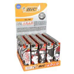 Zapalovač BIC J23 Slim-Plynový kamínkový zapalovač BIC J23 Slim. Zapalovač nejde opět naplnit. Prodej pouze po celém balení (displej) 50 ks. Rozměry zapalovače 7,3x2,2x1,1cm.