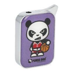 Zapalovač Champ Panda Boo-Plynový zapalovač Champ Panda Boo. Kovový zapalovač v chromovém provedení s barevným motivem pandy na přední straně. Po stisknutí bočního tlačítka dojde k zapálení plamene. Na spodní straně najdeme nastavení intenzity plamene a plnící ventil plynu. Zapalovač je dodávaný v krabičce. Rozměry: 3,5x5x1cm. Cena je uvedená za 1 ks. Před odesláním objednávky uveďte číslo barevného provedení do poznámky.