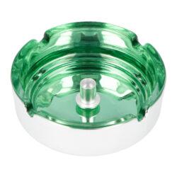 Cigaretový popelník skleněný 10cm zelený-Cigaretový popelník skleněný v metalickém provedení. Kulatý popelník na cigarety se čtyřmi odkládacími místy má vnitřní prostor v zeleném odstínu a vnější strana je v lesklém chromu. Uprostřed prostoru pro popel je kovový trn, který slouží k típnutí cigarety. Popelník je vyrobený ze skla silného 0,7cm. Rozměry popelníku: 10x10x3,5cm.