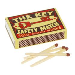 Kuřácké zápalky Solo, 36ks-Kuřácké zápalky impregnované. Krabička 36 ks zápalek.