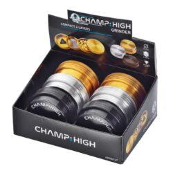 Drtič tabáku kovový Champ High ALU Compact 63mm, 3mix-Kovový drtič tabáku Champ High ALU Compact. Kvalitní kompaktní čtyřdílná drtička se závitem, sítkem a zásobníkem na tabák je vyrobena z kvalitního hliníku CNC technologií. Precizně zpracovaný povrch je upraven eloxováním v lesklém metalickém provedení. Jednotlivé díly drtičky jsou pevně spojené na závit, horní víčko s logem je na magnet. Precizně broušené ostří nožů ve tvaru diamantu velmi jemně nadrtí vaši směs do požadované hrubosti. Před odesláním objednávky uveďte číslo barevného provedení do poznámky.  Průměr drtiče: 63 mm Výška drtiče: 26 mm  Cena je uvedena za 1 ks.  Balení - 6 ks