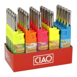 Domácnostní zapalovač CIAO Cobia Summer-Kompaktní plynový domácnostní zapalovač CIAO Cobia Summer. Zapalovač s letním motivem v barevném provedení je vhodný nejen k zapálení sporáku, ale i k zapálení krbů, grilů nebo svíček. Zapalovač pro domácnost je vybavený fixním plamenem, ve spodní části najdeme plnící ventil plynu. Délka zapalovače 12 cm. Prodej pouze po celém balení (displej) 25 ks.