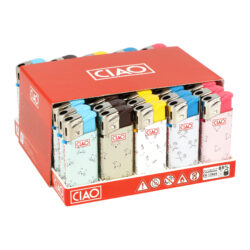 Zapalovač CIAO Piezo Mini Friends-Plynový zapalovač CIAO Piezo Mini Friends. Malý plnitelný zapalovač je vybavený nastavením intenzity plamene. Prodej pouze po celém balení (displej) 50 ks. Výška zapalovače 6 cm.