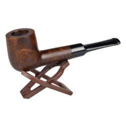 Dýmka BPK 61-054, filtr 9mm-Dýmka bruyerová BPK Proseč s filtrem. Dýmka je ručně vyrobena. Provedení dýmky: tmavě hnědá hlava, černý náustek. Dýmka je dodávána bez stojánku v dárkové krabičce. Délka dýmky: 135mm Výška hlavy: 47mm Filtr: 9mm