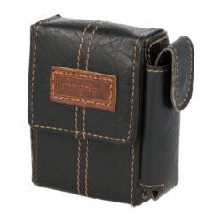 Pouzdro na cigarety Angelo Box, černé-Pouzdro na cigarety (pouzdro na krabičku cigaret) velikosti KING SIZE. Cigaretové pouzdro má boční uzavíratelnou kapsou na zapalovač. Rozměry: 8,7x6,1x2,4cm. Pouzdro na cigarety je z prošívané syntetické kůže.
