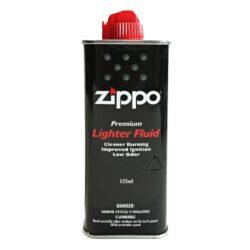 Benzín Zippo 3141 Fluid 125ml-Originální benzín do benzínových zapalovačů Zippo. Benzín Zippo 3141 Fluid je uměle vyrobený a tím pádem se nejedná o klasický derivát z ropy. Chemickým složením se vůbec nejedná o klasický benzín. Výhodou benzínu Zippo je daleko lepší zapalování, velmi čisté hoření, nízká úroveň zápachu a v neposlední řadě jeho šetrnost při styku s kůží. Benzín Zippo 3141 Fluid lze použít nejen do zapalovačů Zippo, ale samozřejmě také do benzínových zapalovačů jiné značky. Objem balení 125 ml.