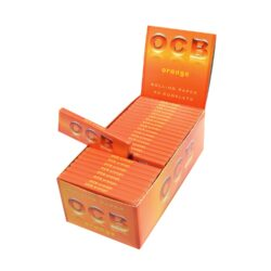Cigaretové papírky OCB Orange-Cigaretové papírky OCB Orange. Knížečka obsahuje 50ks papírků. Rozměry papírku: 36x69mm. Prodej pouze po celém balení (displej) 50ks. Cena je uvedená za 1ks.