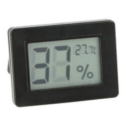 Vlhkoměr digitální, 50x36x12mm-Jednoduchý malý digitální vlhkoměr se suchým zipem, kterým přesně zjistíte okamžitou vlhkost v humidoru. Bateriový provoz. Rozměr: 50x36x12 mm.