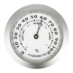 Vlhkoměr Angelo, 37mm-Standardní vlhkoměr Angelo do humidoru se suchým zipem. Vhodný do menších humidorů. Barva stříbrná. Vnější průměr: 37 mm Vnitřní průměr: 33 mm