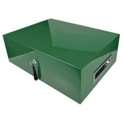 Humidor na doutníky Villa Spa zelený 80D, stolní-Stolní humidor na doutníky s kapacitou cca 80 doutníků. Dodáván s plně automatickým elektronickým zvlhčovačem s vlhkoměrem Cigar SPA. Vnitřek humidoru je vyložený cedrovým dřevem. Rozměr: 43x32x15 cm.