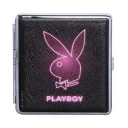 Cigaretové pouzdro Playboy Neon, 20cig.-Koženková tabatěrka Playboy na 20 ks cigaret klasické velikosti (King Size). Cigaretové pouzdro má přední a zadní stranu stejnou. Cigarety zajištěny gumičkou. Provedení: chrom/koženka.