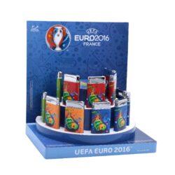 Zapalovač Champ Euro 2016-Kovový plynový zapalovač Euro 2016. Licencovaný produkt EURO 2016. Při nákupu celého balení (12ks), je dodáván stojánek z kartonu. Cena je uvedena za 1 ks.