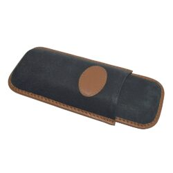 Pouzdro na 2 doutníky Etue Corona, černohnědé, kožené-Pouzdro na dva doutníky (Etue). Pouzdro na doutníky je dlouhé 155mm, průměr 20mm. Doutníkové pouzdro je kožené.