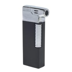 Dýmkový zapalovač Hadson Kansas Pipe, černý-Dýmkový zapalovač kamínkový. Dýmkový zapalovač obsahuje výklopné dýmkové příslušenství. Zapalovač je plnitelný a je dodáván v dárkové krabičce. Výška 7,7 cm.