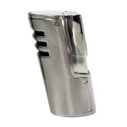 Doutníkový zapalovač Winjet Fortuna, stříbrný-Doutníkový zapalovač. Tryskový zapalovač na doutníky má integrovaný vyštípávač. Zapalovač je plnitelný. Doutníkový zapalovač je dodáván v dárkové krabičce. Výška 7,5cm.
