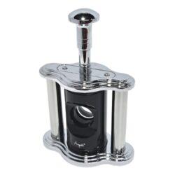 Doutníkový ořezávač Angelo, stolní- Stolní ořezávač na doutníky Angelo, kovový. Doutníkový ořezávač je dodáván v dárkové krabici. Rozměry ořezávače: 16x11x6,5cm.