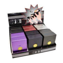 Pouzdro na cigarety Clic Boxx, 30ks-Pouzdro na cigarety. Pouzdro na cigarety Clic Boxx je určené na krabičku cigaret (30ks) velikosti King Size. Po stisknutí dojde k otevření pouzdra díky pružince. Rozměry: 9x6,7x3cm. Pouzdro na cigarety je plastové. Cena je uvedena za 1 ks. Před odesláním objednávky uveďte číslo barevného provedení do poznámky.