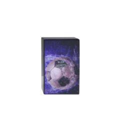 Pouzdro Clic Boxx Soccer na cigarety-Pouzdro na cigarety. Pouzdro na cigarety Clic Boxx  - pouzdro na krabičku cigaret (20ks) velikosti King Size. Po stisknutí dojde k otevření pouzdra díky pružince. Rozměry: 9,5x5,8x2,4cm. Pouzdro na cigarety je plastové. Cena je uvedena za 1 ks. Před odesláním objednávky uveďte číslo barevného provedení do poznámky.