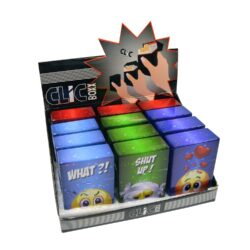 Pouzdro Clic Boxx Smileys na cigarety-Pouzdro na cigarety. Pouzdro na cigarety Clic Boxx  - pouzdro na krabičku cigaret (20ks) velikosti King Size. Po stisknutí dojde k otevření pouzdra díky pružince. Rozměry: 9,5x5,8x2,4cm. Pouzdro na cigarety je plastové. Cena je uvedena za 1 ks. Před odesláním objednávky uveďte číslo barevného provedení do poznámky.