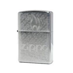 Zippo zapalovač Logo, broušený-Benzínový zapalovač Zippo s gravírovaným logem. Zapalovač Zippo není naplněn benzínem. Provedení: broušený. Do Zippo zapalovače doporučujeme používat originální benzín Zippo 3141 Fluid, kamínky Zippo Flint, knoty Zippo Wick a vatu do zapalovače Zippo.