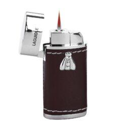 Zapalovač Laguiole Ondres-Kovový zapalovač Laguiole. Zapalovač je plnitelný. Zapalovač dodáván v dřevěné dárkové krabičce. Výška zapalovače 6,5cm.