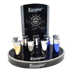 Zapalovač Eurojet Donna, metalický-Zapalovač Eurojet Donna. Plynový zapalovač je v metalické kombinaci gunmetalového a chromového lesklého provedení. Ve spodní části je umístěn plynový plnící ventil a regulace intenzity plamene. Zapalovač je dodávaný v dárkové krabičce. Rozměry: 7,3x2,3x1,5 cm. Cena je uvedena za 1 ks. Před desláním objednávky uveďte číslo barevného provedení do poznámky.