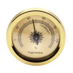 Vlhkoměr zlatý s magnetem, 4,5cm-Standardní vlhkoměr do humidoru. Průměr 4,5 cm. Pro uchycení do humidoru slouží magnet s oboustrannou lepicí páskou. Provedení: zlaté.