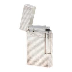 Zapalovač S.T. DuPont Ligne 2 plate care, stříbrný-Luxusní plynový zapalovač S.T. DuPont Ligne 2 známé francouzské značky. Zapalovač z elegantní řady Ligne 2, pro kterou je typický a lehce identifikovatelný ping zvuk při otevření zapalovače. Dokonale zpracovaný kovový kamínkový zapalovač, který skvěle kombinuje funkci a elegantní vzhled. Na boku najdeme škrtací mechanismus. Ve spodní části najdeme plnící ventil plynu a ovládání intenzity plamene. Kamínek se mění v horní části zapalovače. Zapalovač je dodáván v dárkové krabičce vyložené jemným sametem. Výška 6cm. Vyrobeno ve Francii. Zapalovače S.T. DuPont nejsou při dodání naplněné plynem.