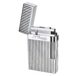 Zapalovač S.T. DuPont Ligne 2 plate stripes, stříbrný-Luxusní plynový zapalovač S.T. DuPont Ligne 2 známé francouzské značky. Zapalovač z elegantní řady Ligne 2, pro kterou je typický a lehce identifikovatelný ping zvuk při otevření zapalovače. Dokonale zpracovaný kovový kamínkový zapalovač, který skvěle kombinuje funkci a elegantní vzhled. Na boku najdeme škrtací mechanismus. Ve spodní části najdeme plnící ventil plynu a ovládání intenzity plamene. Kamínek se mění v horní části zapalovače. Zapalovač je dodáván v dárkové krabičce vyložené jemným sametem. Výška 6cm. Vyrobeno ve Francii. Zapalovače S.T. DuPont nejsou při dodání naplněné plynem.