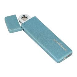 USB zapalovač Silver Match XXSlim-Slim USB zapalovač Silver Match s elektrickým zapalováním (žhavící spirála) a USB dobíjením. Na atraktivním vzhledu zapalovače má zásluhu nejen jeho malá tloušťka (0,5cm), ale i metalický texturovaný povrch. Zapálení USB zapalovače se aktivuje odklopením horního krytu a překlopením zapalovače tam a zpět. Spirála začne žhavit a zapálí cigaretu. V zapalovači je integrovaný MicroUSB port, kterým se USB zapalovač dobíjí. V balení je přiložen nabíjecí MicroUSB-USB kabel. Doba nabíjení USB zapalovače je cca 1-2,5 hodiny. Výška 8cm. Zapalovač je dodáván v dárkové krabičce. Cena je uvedena za 1 ks. Před odesláním objednávky uveďte číslo barevného provedení do poznámky.