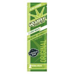 Blunt Kush Herbal Original, 2x-Blunt Kush Herbal je vyráběn z přírodního kanadského konopí. Konopný list je velmi tenký a ubalená cigareta dobře drží svůj tvar, i když neobsahuje žádné lepidlo. Blunty jsou baleny do uzavíratelného sáčku, takže po otevření neztratí svoji příchuť. Sáček obsahuje 2 ks. Příchuť: bez příchutě.