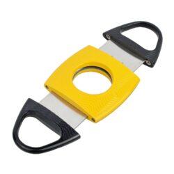 Doutníkový ořezávač Angelo 50000, černožlutý-Kovový ořezávač na doutníky Angelo. Kvalitně zpracovaný oboustranný ořezávač má povrch zdobený jemnou texturou. Jeho atraktivním vzhled podtrhuje černožlutá barevná kombinace. Doutníkový ořezávač je dodáván v dárkové krabičce s logem. Rozměry složeného ořezávače: 9,4x4,5cm.